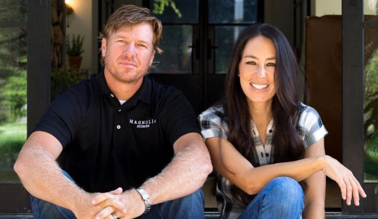 joanna gaines ethnicity biography wikipedia know all about fixer upper star. Black Bedroom Furniture Sets. Home Design Ideas